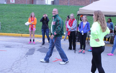 Annual pre-Homecoming tailgate draws students, faculty