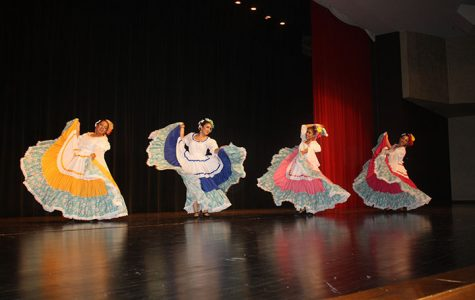 Hispanic folkloric dance photo gallery