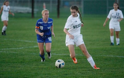New girls soccer coach opens season with high expectations: Season preview