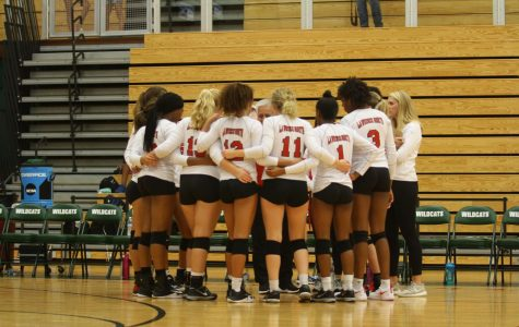 LN volleyball takes a win against LC 3-0: Photo Gallery