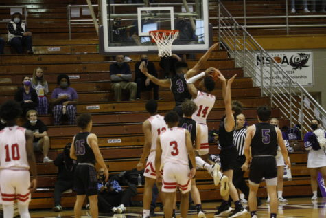 LN boys basketball prepares for state championship