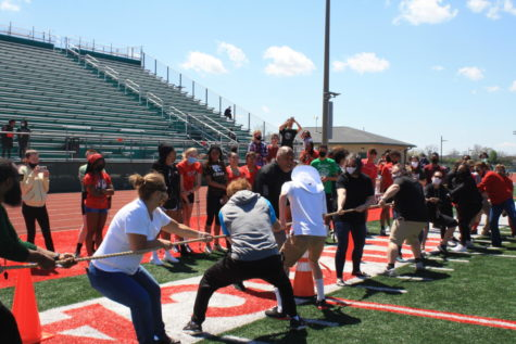Photo gallery: Juniors defeat Seniors in Pass the Torch competition